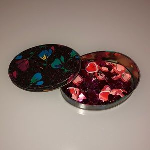 Tin of Valentine Confetti